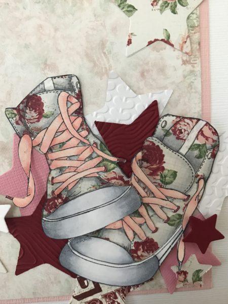 7eb0e41bac44 Jag skuggade skorna för att få dem lite mer verkliga. Skosnörena och det  vita gummit fram på skorna har jag stämplat en gång till på ett vitt papper  och ...